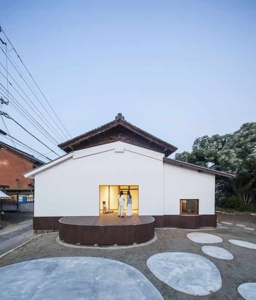 Conversion of a Sake Warehouse  / Jorge Almazán  + Keio University Almazán Lab, © Montse Zamorano