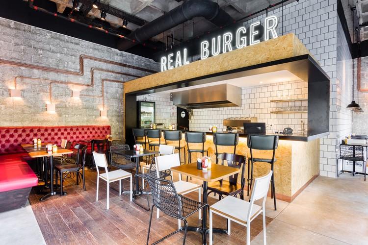 Real Burger / Mestisso, © Ricardo Bassetti