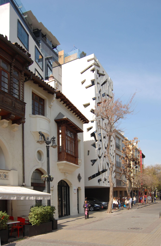 Galer a de hotel cumbres lastarria re arquitectos 8 - Hotel la garriga de castelladral ...