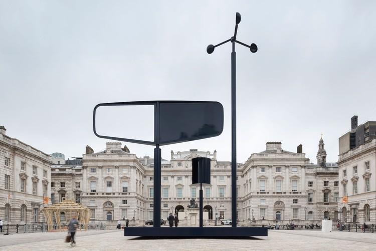 La instalación de Barber y Osgerby para la Bienal de Diseño de Londres se apropia de viento, Cortesía de Barber & Osgerby