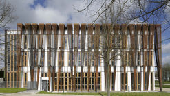 Versailles Saint Quentin University Students Headquarters / Fabienne Bulle architecte & associés