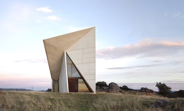 Chapel in Valleaceron       / Sancho Madrilejos , Courtesy of Juan Carlos Sancho
