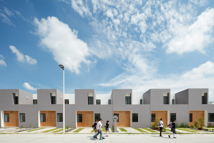 San Ignacio Houses / IX2 Arquitectura, © Lorena Darquea