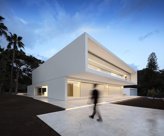 La Pinada House / Fran Silvestre Arquitectos