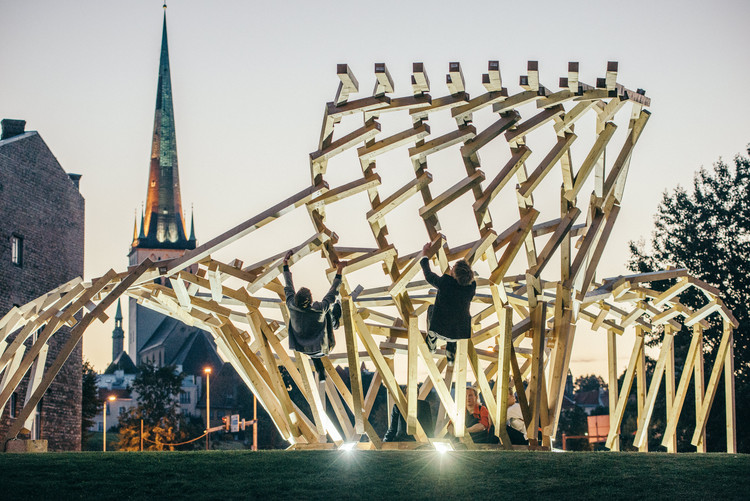 Open Call: 2017 Tallinn Architecture Biennale Installation Programme, TAB 2015 installation Body Building by Sille Pihlak and Siim Tuksam. Image by Tõnu Tunnel