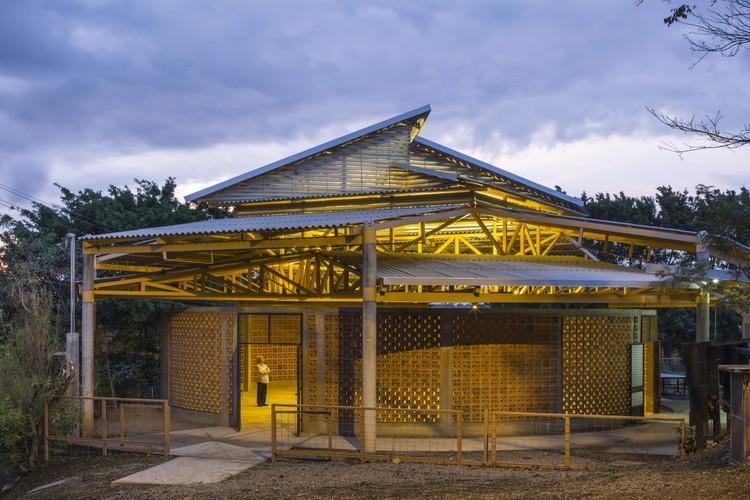 Centro Comunitario de El Rodeo de Mora / Fournier_Rojas Arquitectos, © Fernando Alda