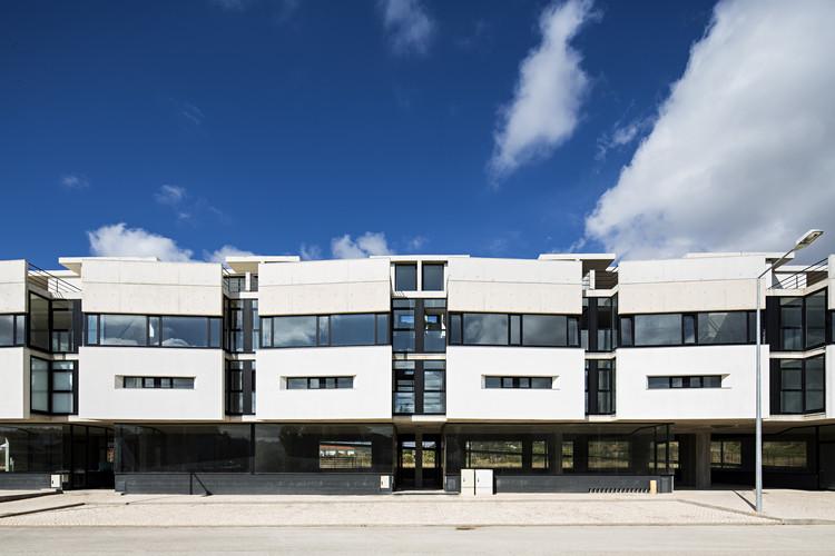 Edifício em Silves  / SPBR Arquitetos, © Nelson Garrido