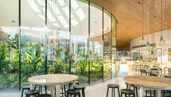 Centro de reunión y visitantes Fazer / K2S Architects