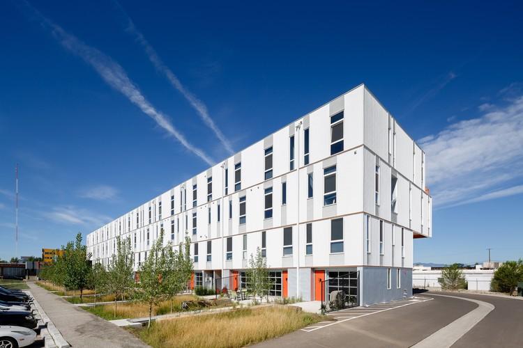 Freight Residences / Dynia Architects, © JC Buck
