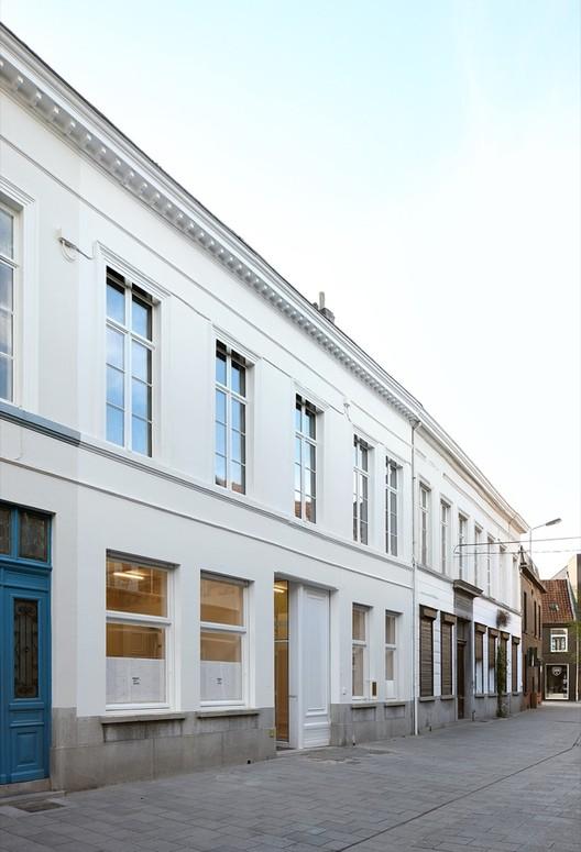 Tangram architecten de vylder vinck taillieu archdaily for Dujardin kortrijk