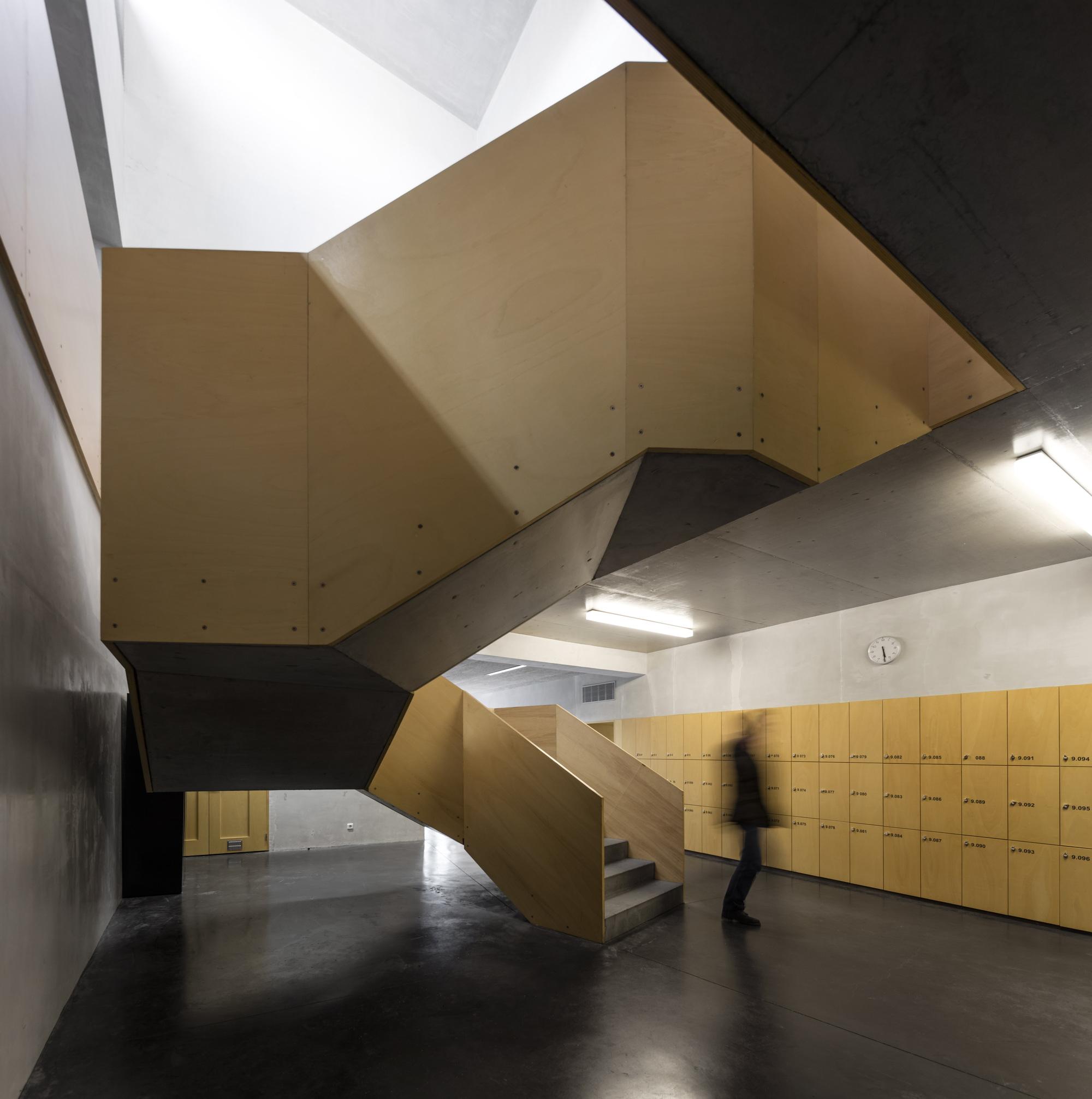 Galeria de escola de santa maria appleton e domingos for Techos de galerias modernas