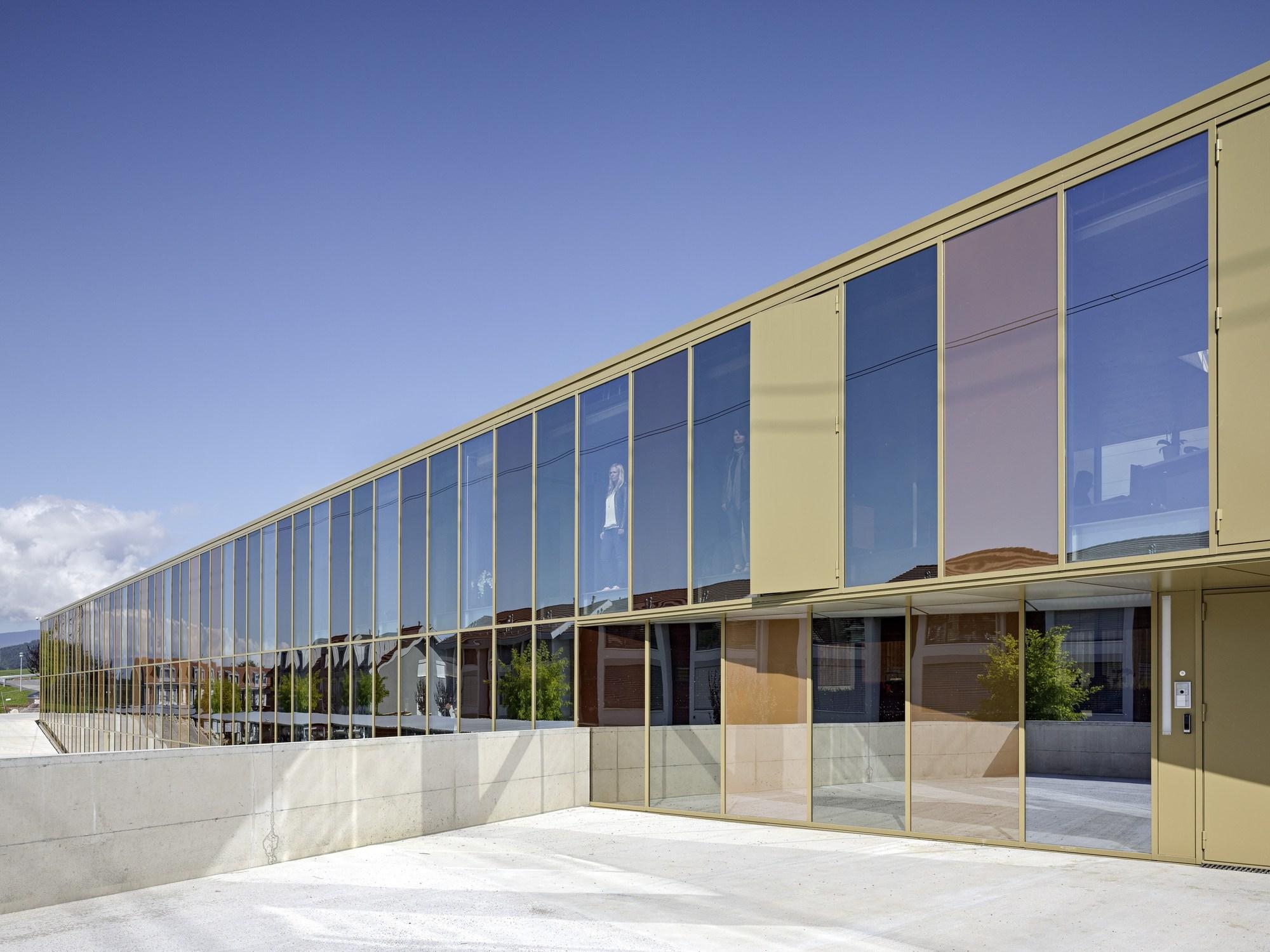 Office Building Jolimont / 2b architectes