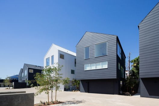 Blackbirds / Bestor Architecture