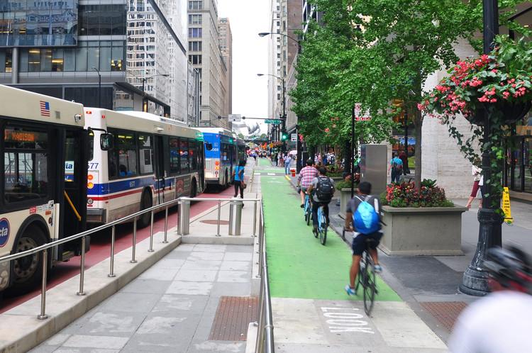 O Invisível Respeito à Bicicleta nas ruas, © Victor Delaqua