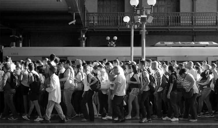 Pesquisa mostra insatisfação com transporte público em dez capitais, Plataforma da CPTM na Estação da Luz, São Paulo. Image © Romullo Baratto