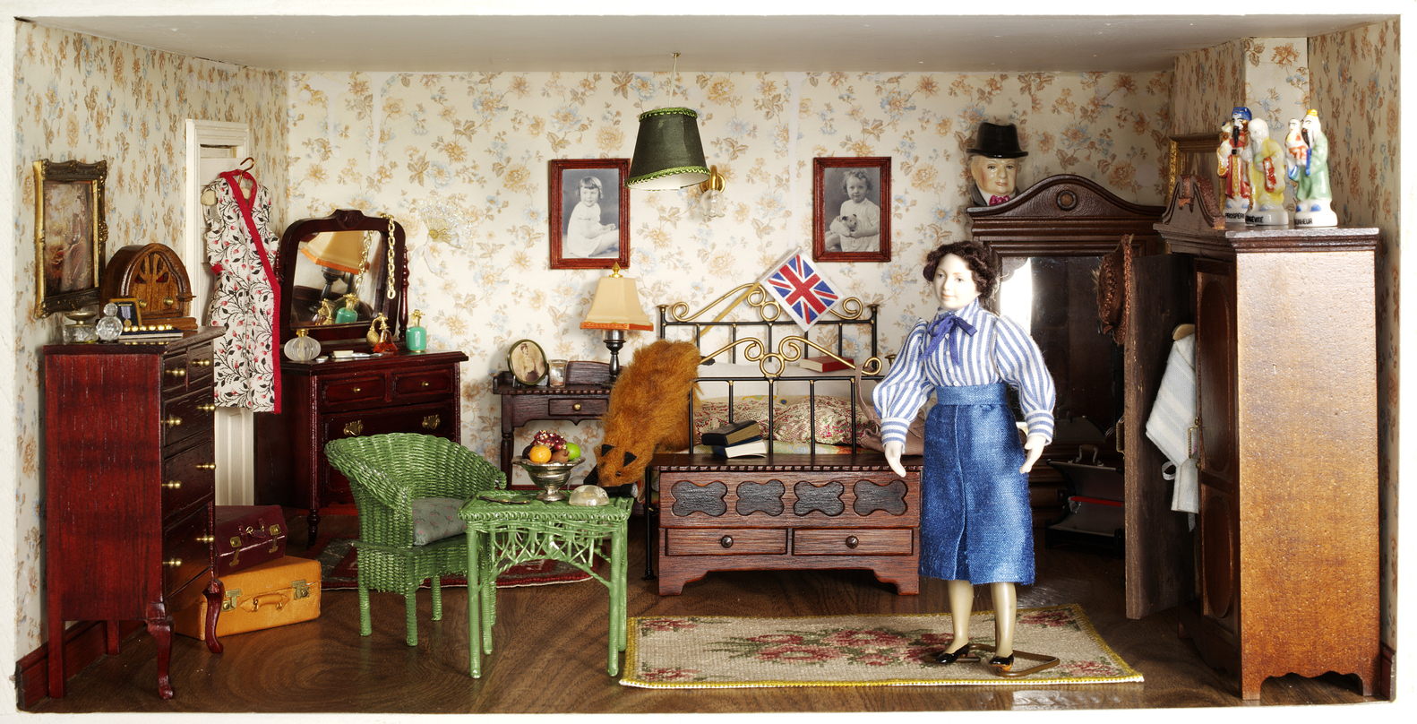 gallery of 12 dollhouses that trace 300 years of british domesticity Tin Doll Houses 12 dollhouses that trace 300 years of british domesticity hopkinson house set in 1940s