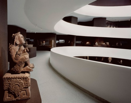 9 TIMES ARCHITECTS TRANSFORMED FRANK LLOYD WRIGHTS GUGGENHEIM MUSEUM