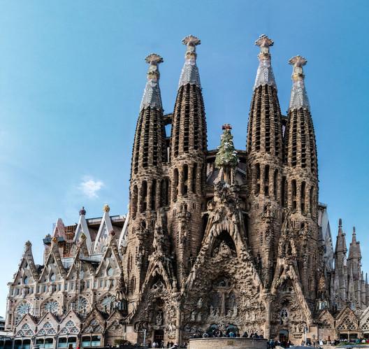 Sagrada Familia / Antoni Gaudí. Image © Flickr User: haschelsax, bajo CC BY-ND 2.0