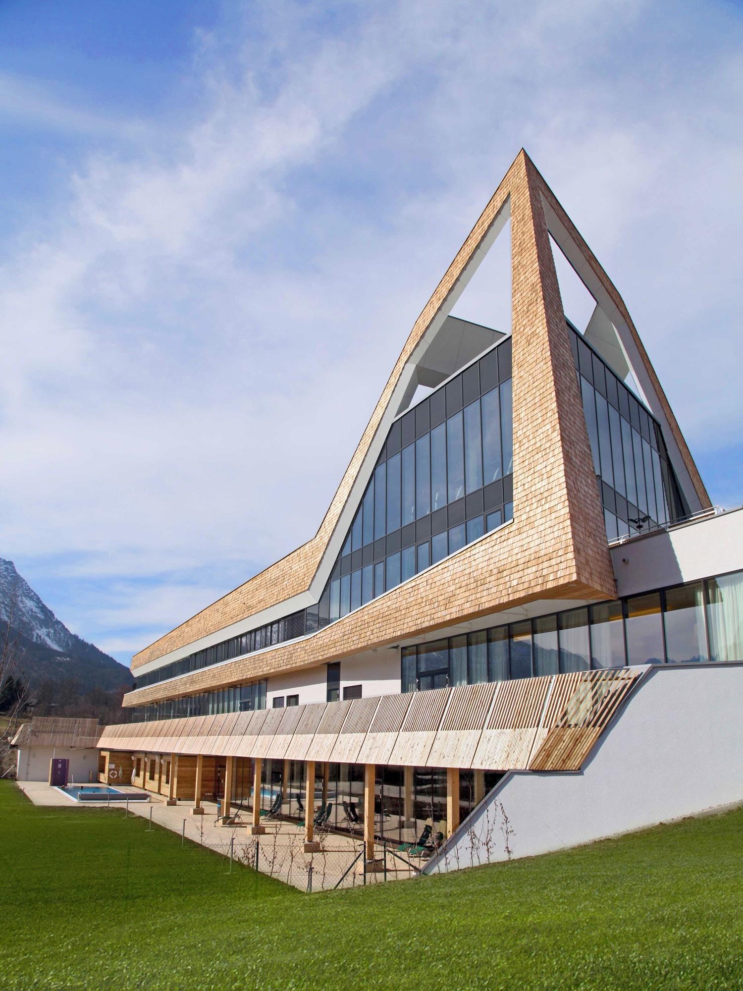 Gallery of narzissenbad aussee spa resort schulz for Architektur 4 1
