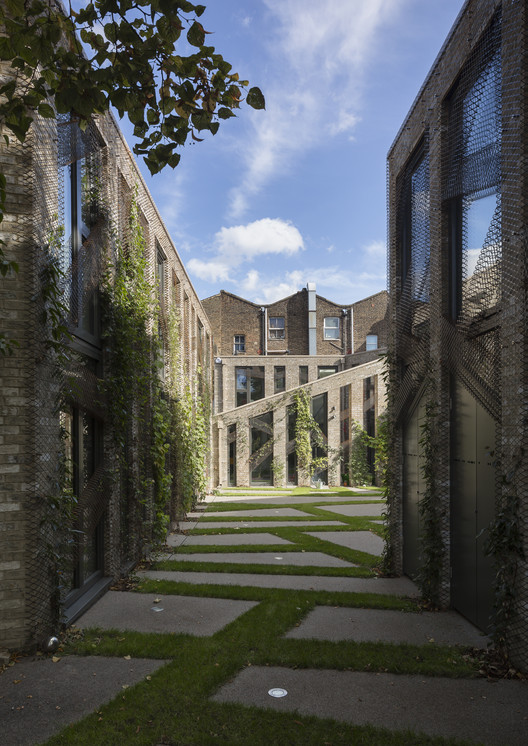 Forest Mews / Stolon Studio Ltd, © Tim Crocker