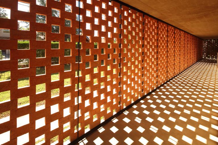 Detalhes construtivos apresentam 16 formas de assentar tijolos, © Gustavo Sosa Pinilla
