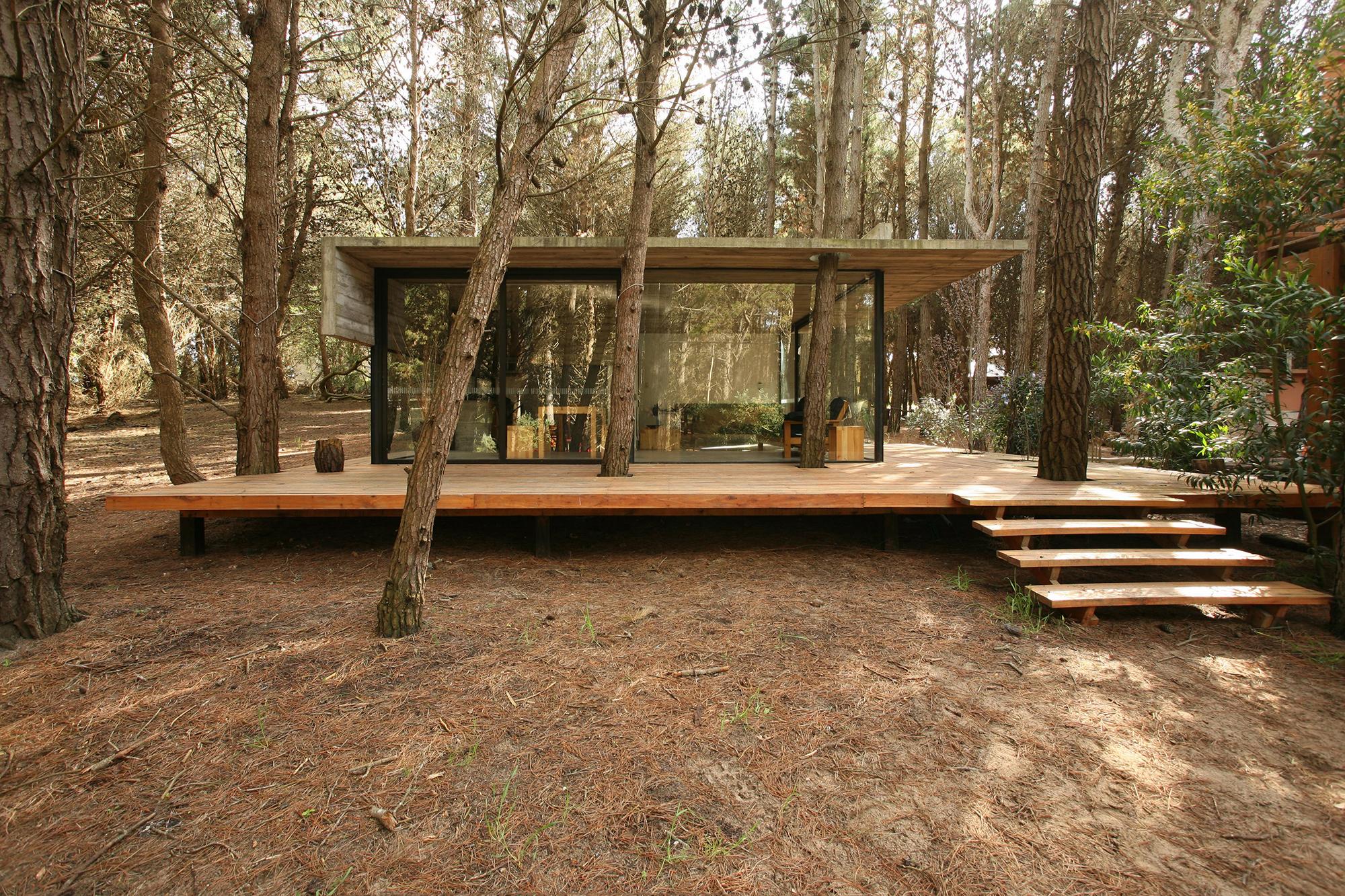 Casa mar azul bak arquitectos plataforma arquitectura for Casas alargadas