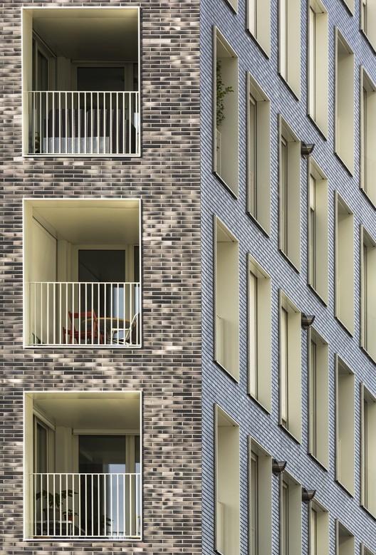 Terrace 9 / AZC, © Sergio Grazia