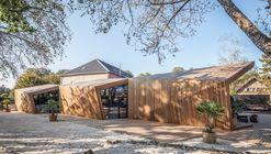Restaurante Boos Beach Club / Metaform architects