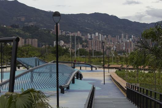 ¿En qué está el proyecto Parques del Río en Medellín?