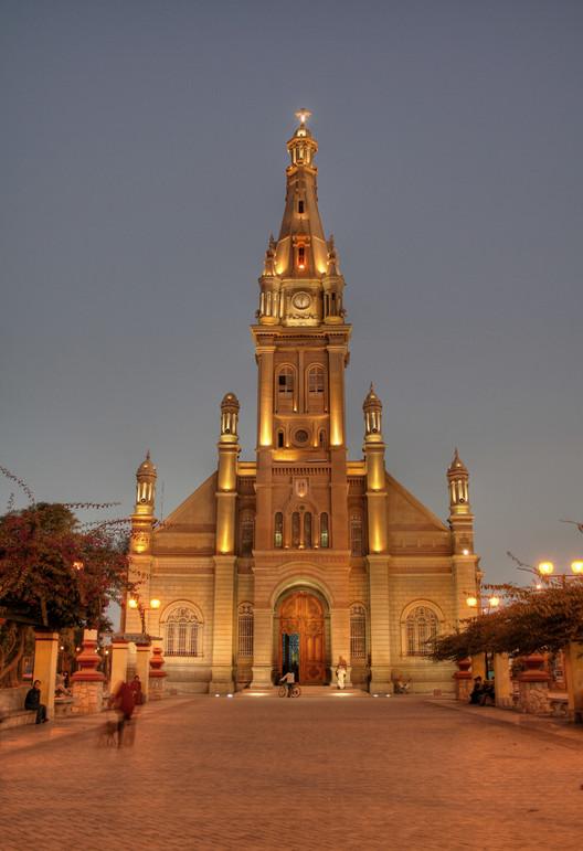 Patrimonio arquitectónico en peligro: anuncian demolición del templo de Luren en Ica, Perú, Templo de Luren antes del sismo del 2007. Image © Juan Manuel Parra