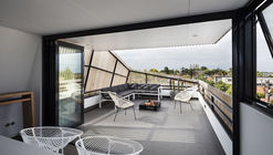 St Kilda East Townhouses / Jost Architects