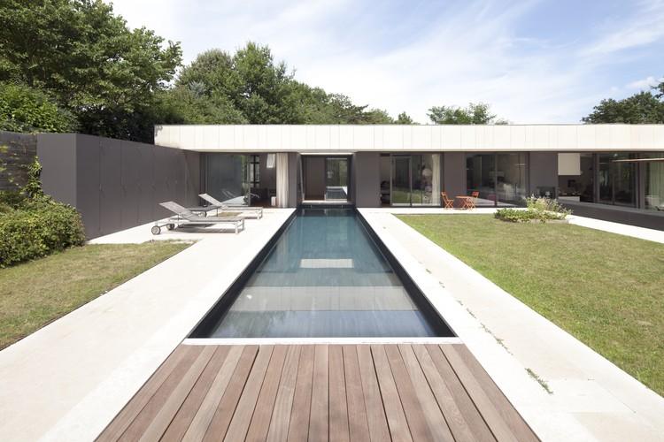 Casa en Charbonnières-les-Bains  / Atelier Didier Dalmas, © Jérôme Ricolleau