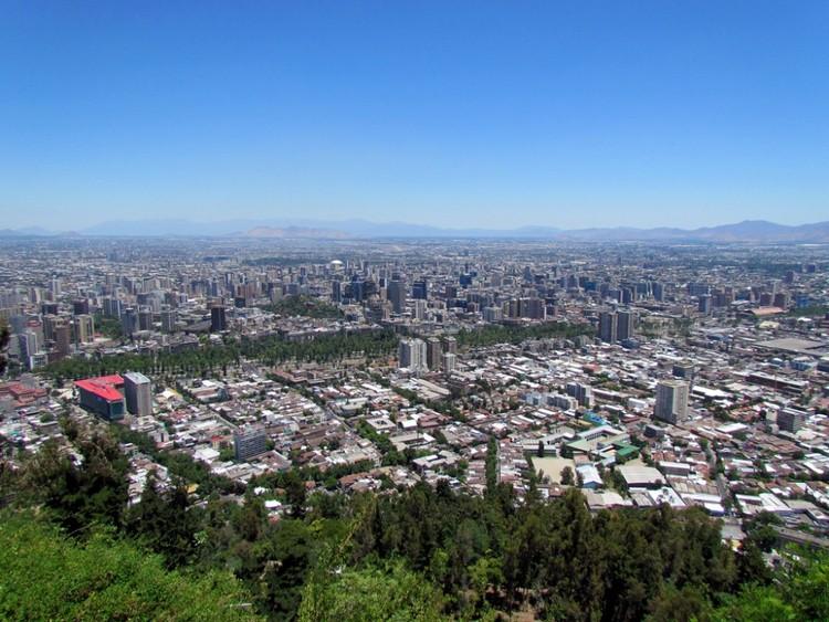 Cursos online gratuitos sobre política do solo urbano, Vista de Santiago do cerro San Cristobal.. Image © Flickr Usuario: David Berkowitz. Licencia CC BY 2.0