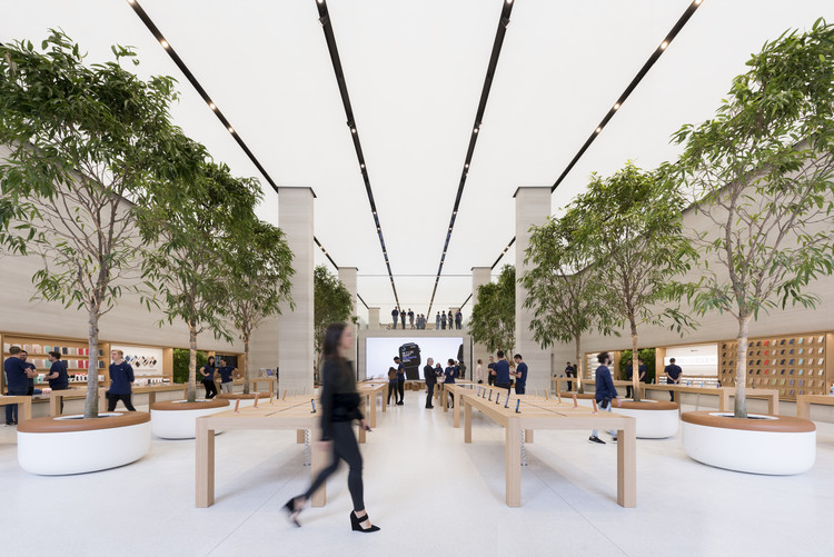 Apple Regent Street  / Foster + Partners, © Nigel Young