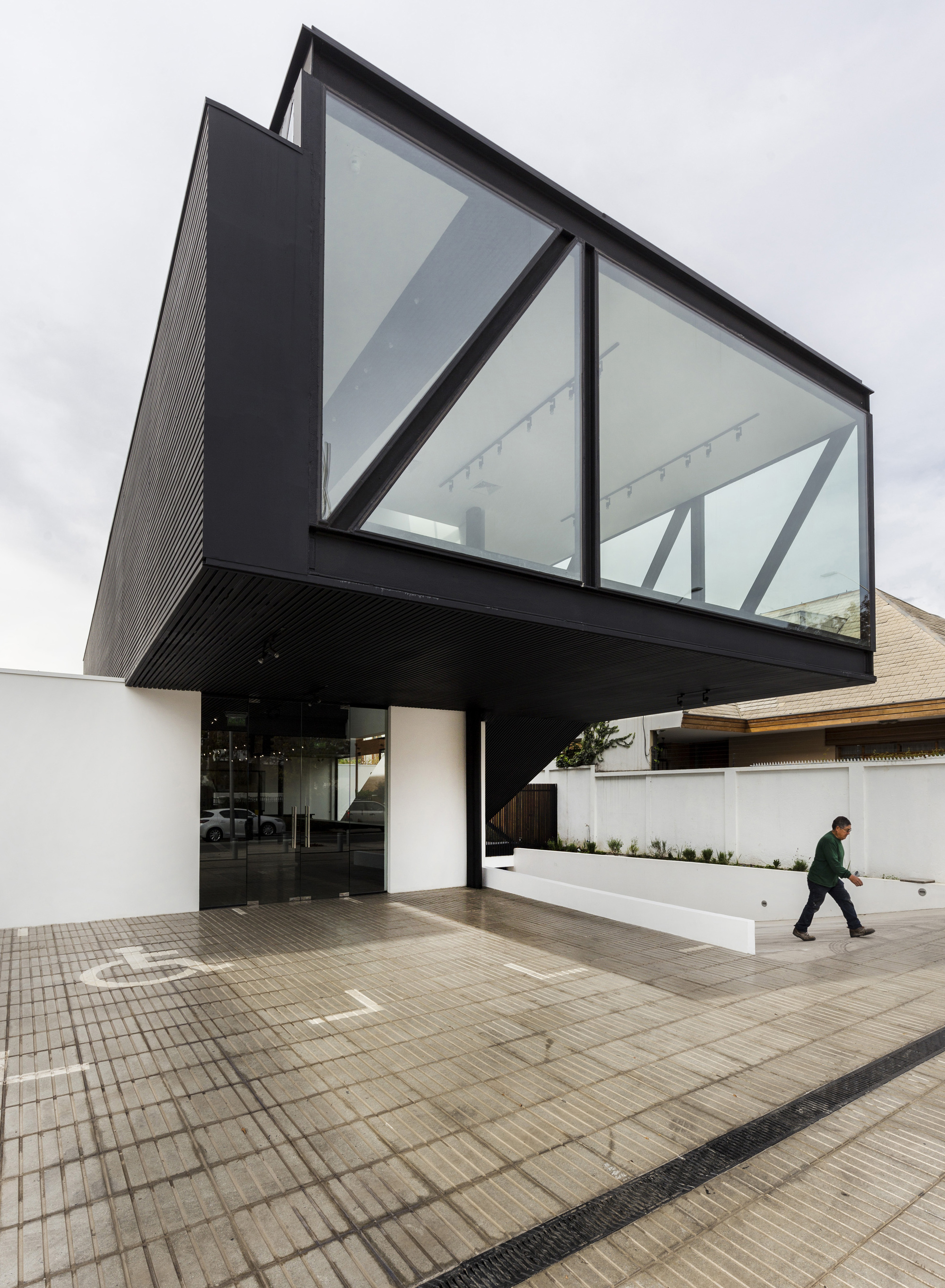 Rey Vitacura / CARREÑO SARTORI arquitectos   Plataforma Arquitectura