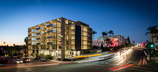 "Jonathan Segal's newest mixed-use project called ""Mr Robinson"" located in San Diego. Image © Jonathan Segal Architect"