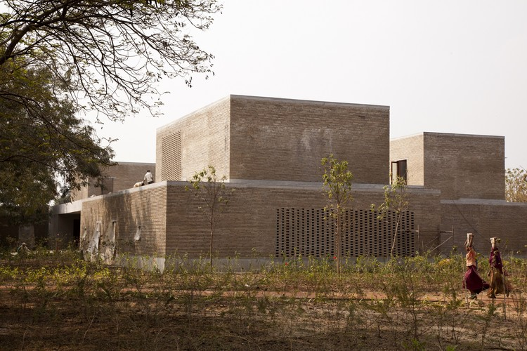 Ahmedabad Residence, Ahmedabad, India (2014). Image Courtesy of Studio Mumbai