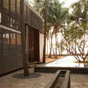 Palmyra House, Nandgaon, Maharashtra, India (2007). Image Courtesy of Studio Mumbai