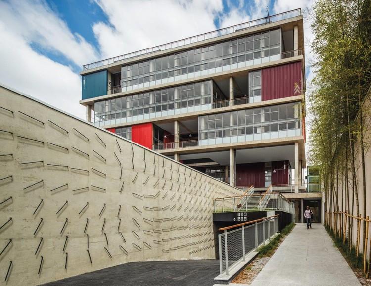 """Lançamento do livro """"Andrade Morettin - Cadernos de Arquitetura"""" , Edifício Box 298, local do lançamento do livro no próximo dia 29.10, assinado pelos arquitetos"""