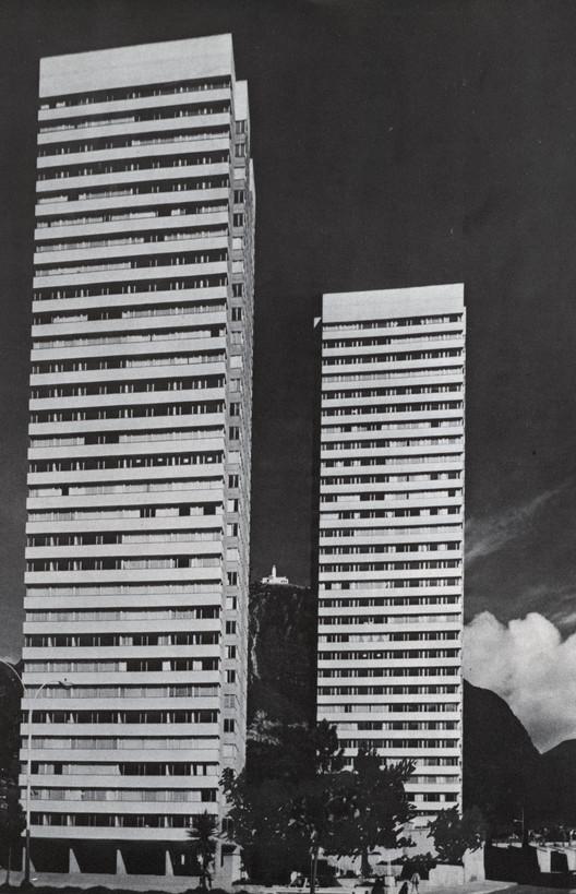 Clásicos de Arquitectura: Torres de Fenicia / Juan José Vargas Ramírez, Vargas y CIA Ltda, © Revista PROA