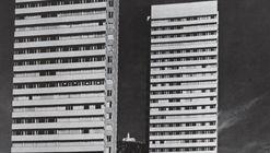 Clásicos de Arquitectura: Torres de Fenicia / Juan José Vargas Ramírez, Vargas y CIA Ltda