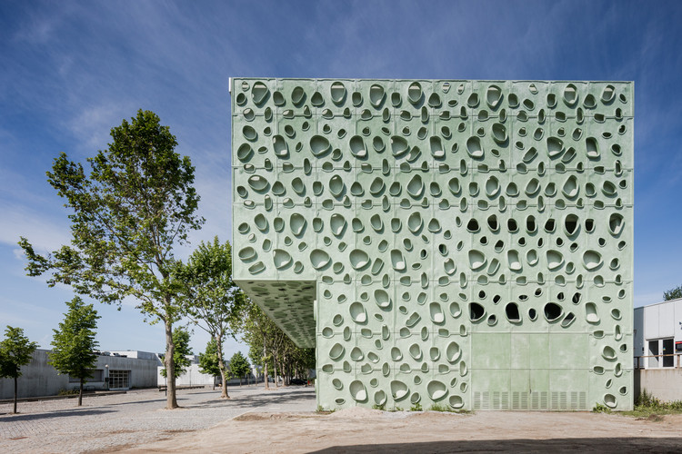 Institute of Science and Innovation for Bio-Sustainability / Cláudio Vilarinho, © João Morgado