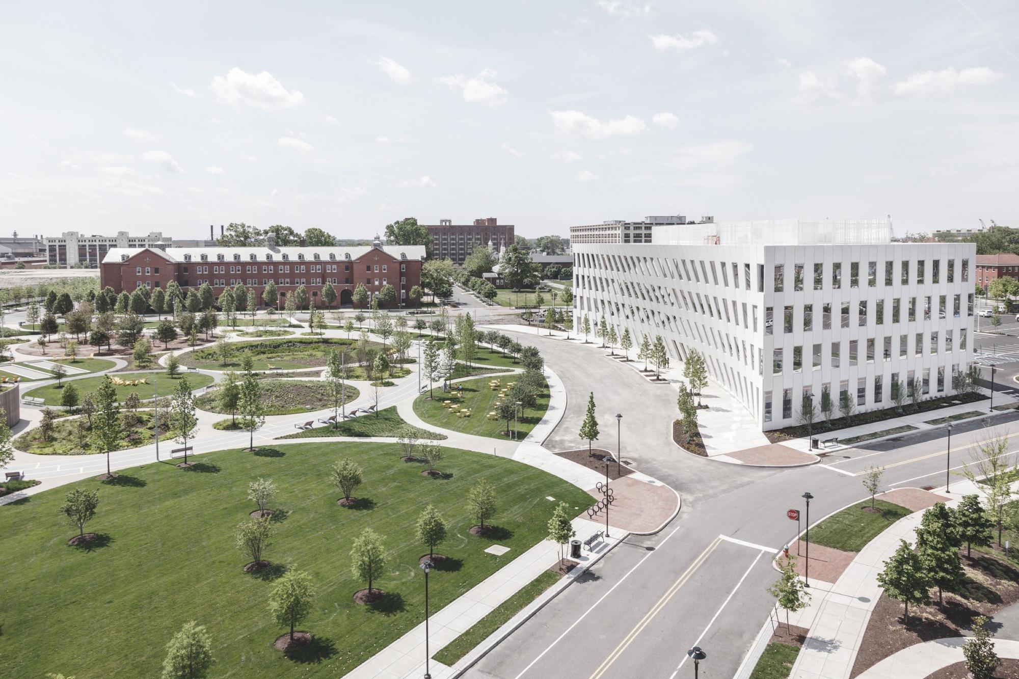 Office building design architecture Smart Bigs First Office Building Design Opens At The Philadelphia Navy Yard Rasmus Hjortshoj Office Buildings Tag Archdaily