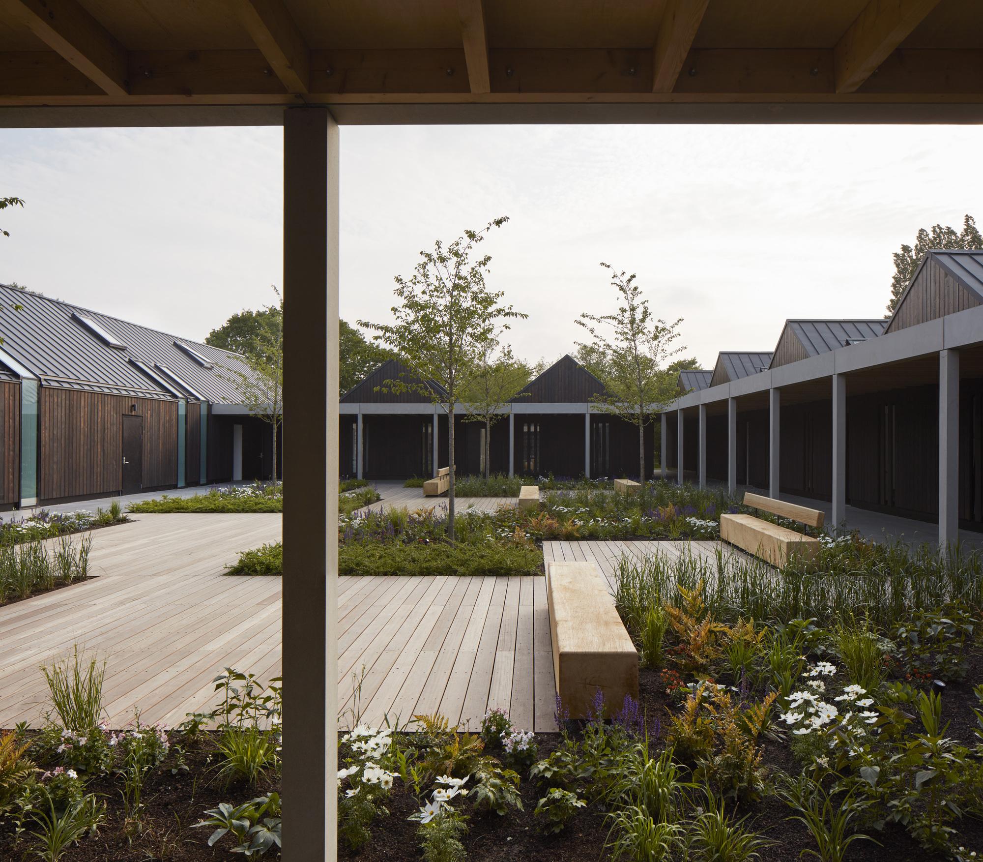 Vajrasana Buddhist Retreat / Walters & Cohen Architects