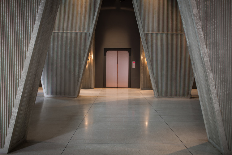 Monocle 24 Pays Homage to the Role of Architecture in Film, The use of corduroy concrete inside recalls the work of Paul Rudolph. Image © Aidan Montaghan/Studio Canal
