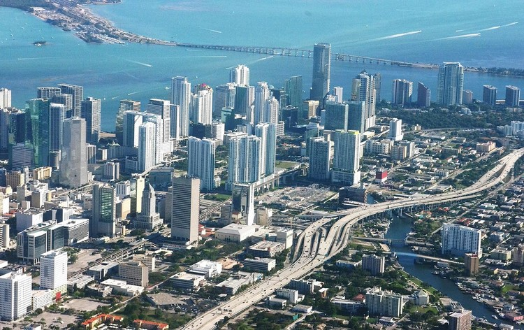 Why a City's Mayor Has To Be Its Chief Architect, © <a href='https://commons.wikimedia.org/wiki/File:Miami_from_above.jpg'>Ron Reiring via Wikimedia</a> licensed under <a href='https://creativecommons.org/licenses/by/2.0/deed.en'>CC BY 2.0</a>