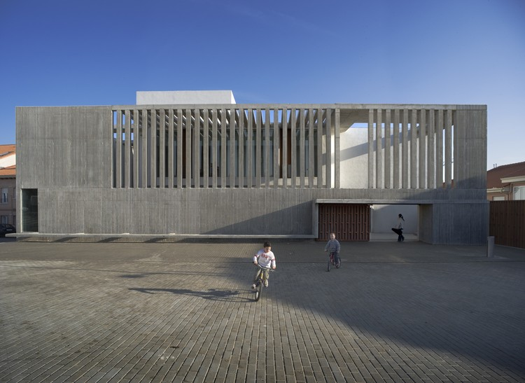 Cultural Centre and Music School / Alberich-Rodríguez Arquitectos, © Ángel Baltanás