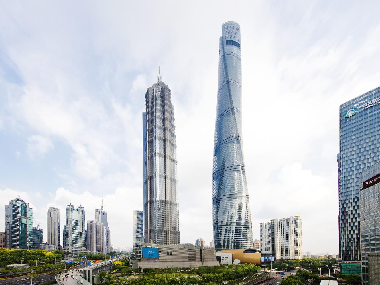 Escritório que projetou o hotel atari também projetou a shanghai tower