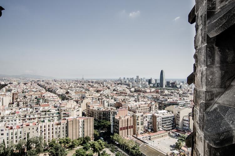 Cidades compactas e o difícil equilíbrio entre densidade e verticalização, Barcelona. Image © flickr user micurs (CC BY-SA 2.0)