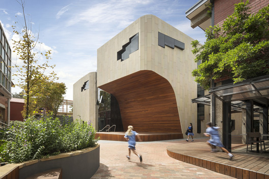 Ruyton Girls' School  / Woods Bagot